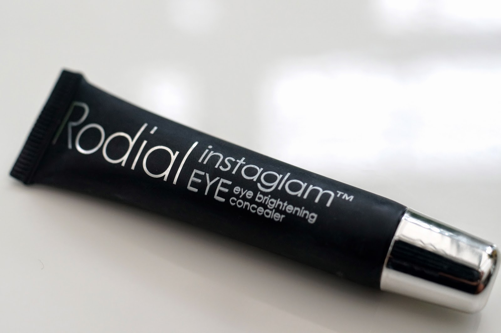 rodial instaglam eye brightening concealer