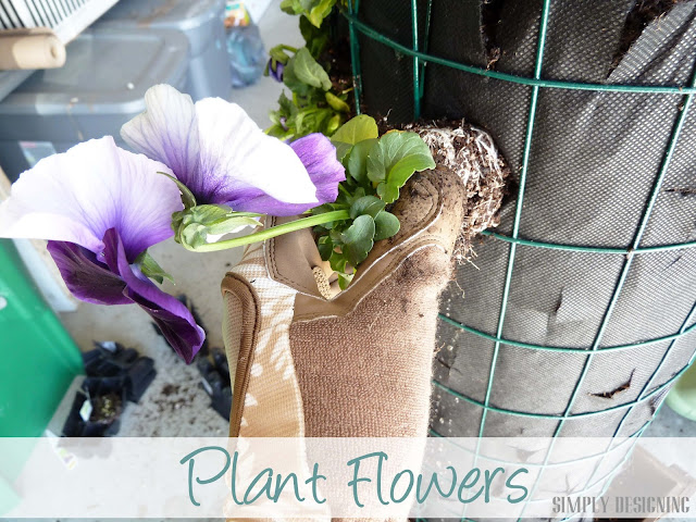 Plant Flowers, DIY Flower Tower, Simply Designing, #digin #heartoutdoors #spring #sponsored