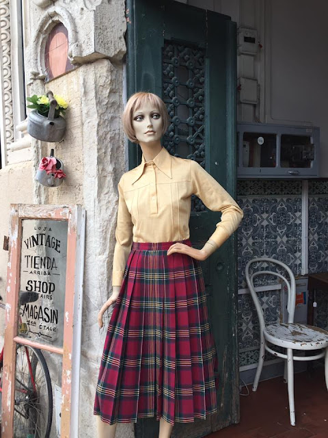 loja vintage, a Porta Verde, Aveiro, roupa vintage, móveis vintage, decoração vintage