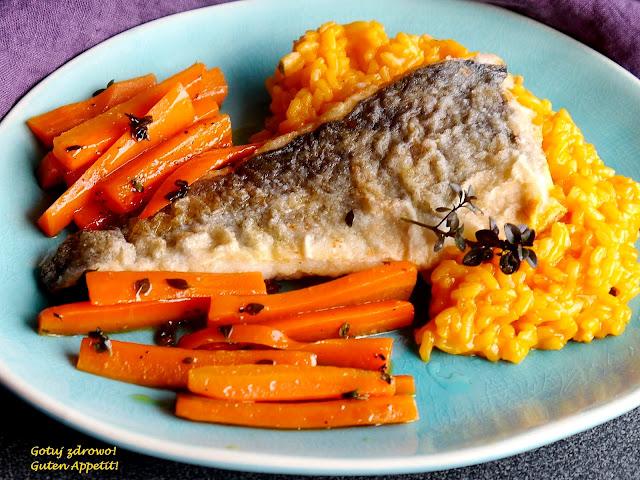Dorsz z marchewkowym risotto i karmelizowaną marchewką - Czytaj więcej »