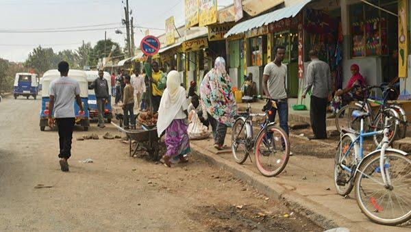 http://2.bp.blogspot.com/-K6N8SPQxWTQ/Vz0gclGQdWI/AAAAAAAARsQ/WOHhMGzqE9A8ARyZvX9aROvn9Y-W6MoFQCK4B/s1600/ET_Addis_community_slide.jpg