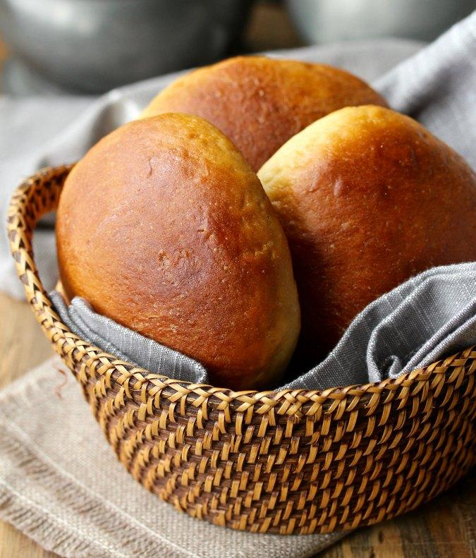 Hawaiian-Style hamburger buns