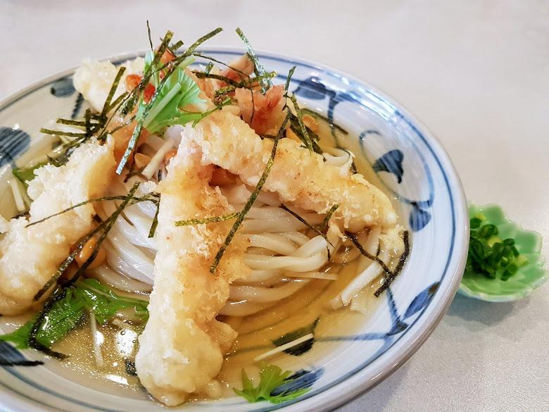 午餐,一千五日圓的炸蝦湯麵⋯