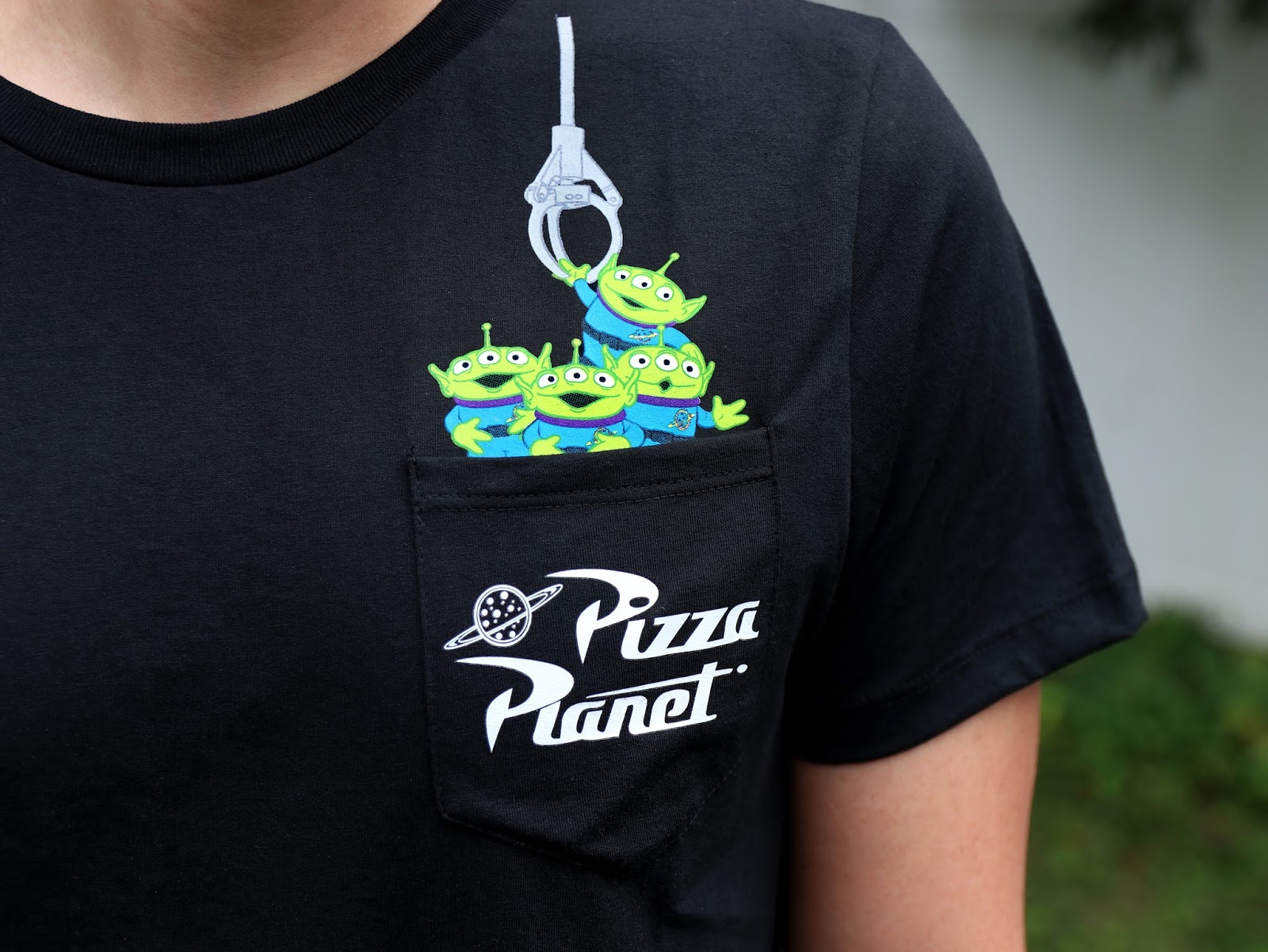 toy story pizza planet alien tee t-shirt pixar