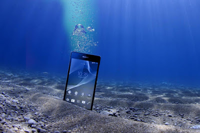 4 Smartphone Dengan Kemampuan Tahan Air