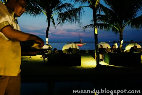 Mengejar Sunset ke Segarra Beach Club