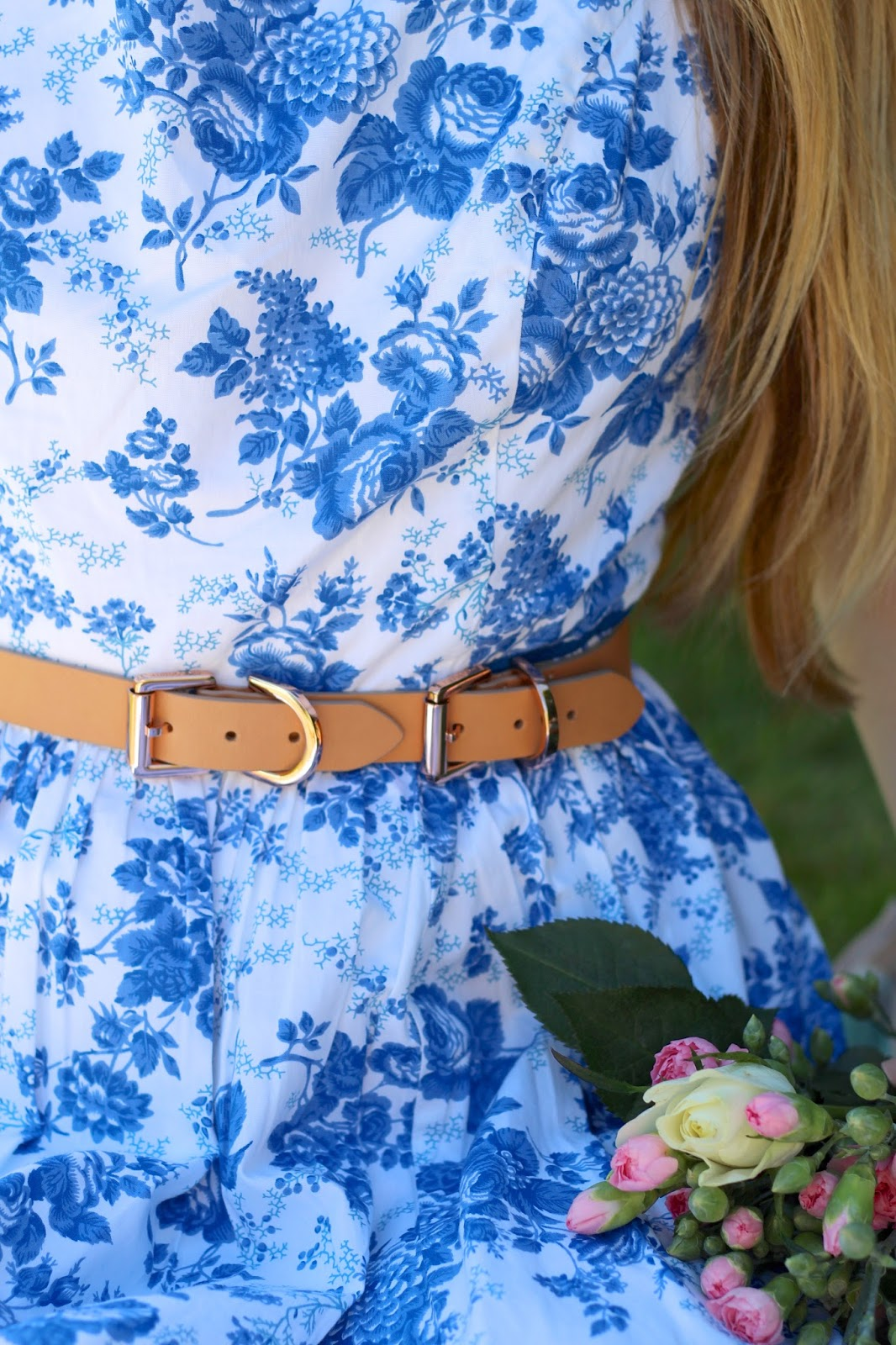 Nude buckle belt by Mulberry