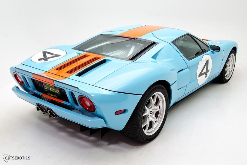 Siêu xe Ford GT Heritage 2006 mới đi 8 km rao bán