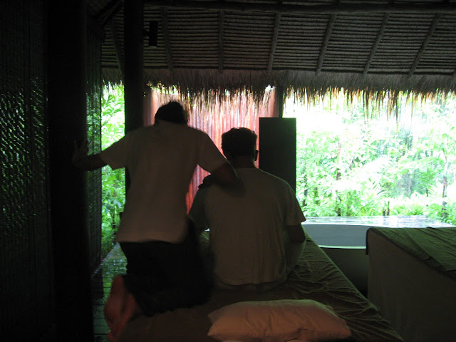 What to do on a honeymoon in Thailand: get a Thai massage
