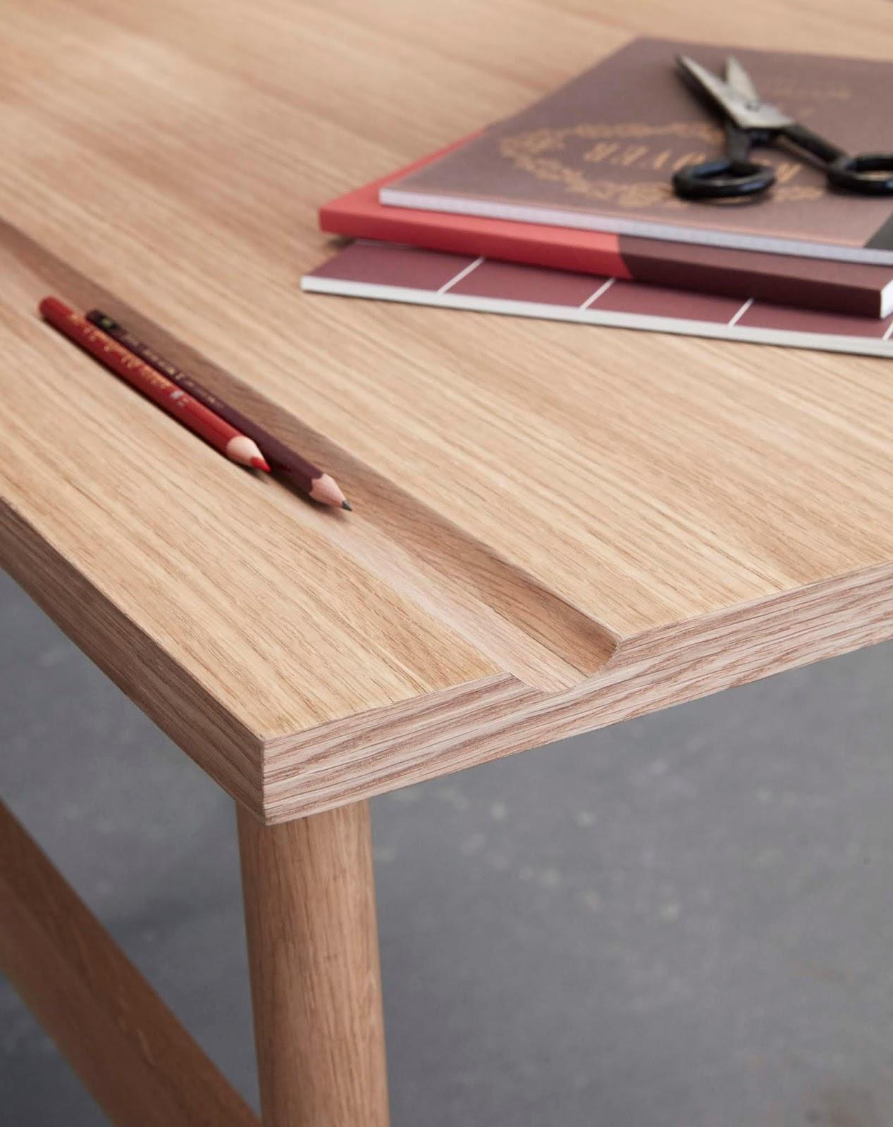 Ukryte schowki w biurku
