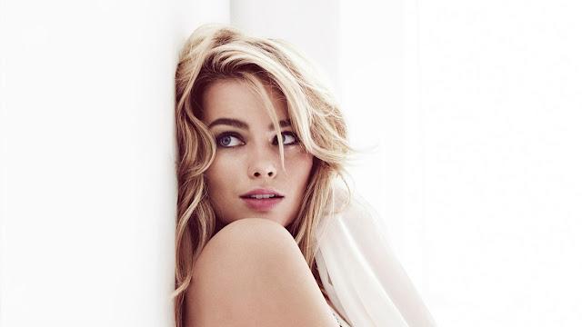 Margot Robbie – Bông hồng Úc tỏa sáng tại Oscar 2018