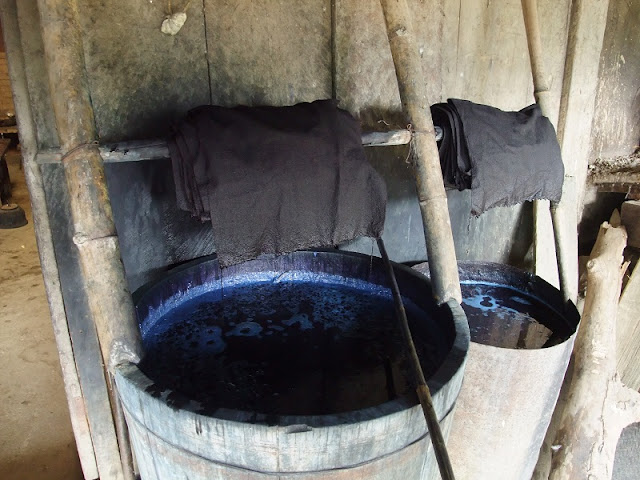 Indigo Dyeing Techniques Of The Mong Of Sapa 2