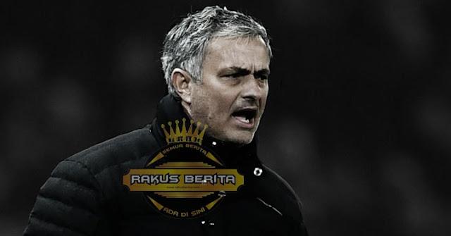 Mourinho Sebut The Reds Pantas Masuk Rekor Dunia