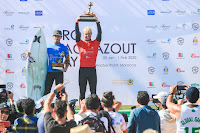 Pro taghazout Bay Podium with the winner Nat Young %2528USA%2529 and the runner up Alonso Correa %2528PER%2529 9496QSTaghazout20Masurel