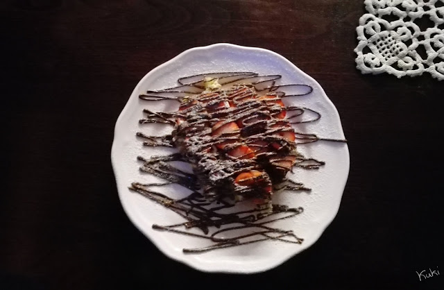 waffle com nutella e morangos; noterreiro