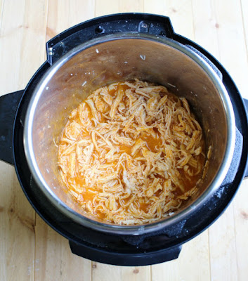 shredded buffalo chicken in instant pot