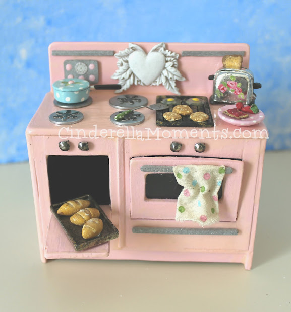 Cinderella Moments Vintage Style Dollhouse Miniature