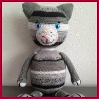 Gatito gris amigurumi
