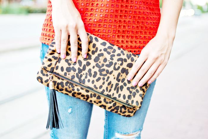 leopard clutch, cheetah clutch, jcrew top, summer outfit, casual summer outfit, coral and leopard print