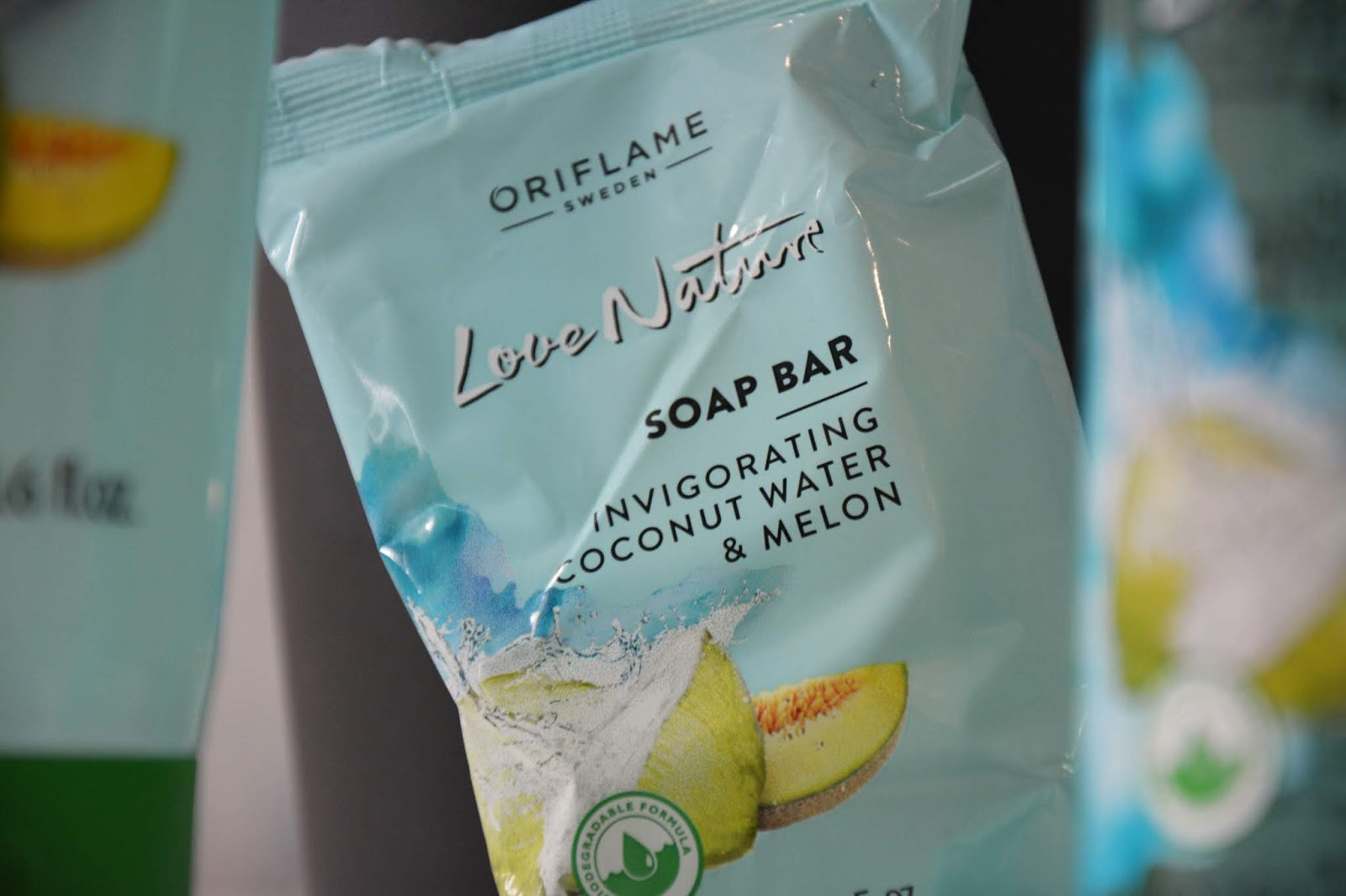 oriflame-love-nature-coconut-water-melon