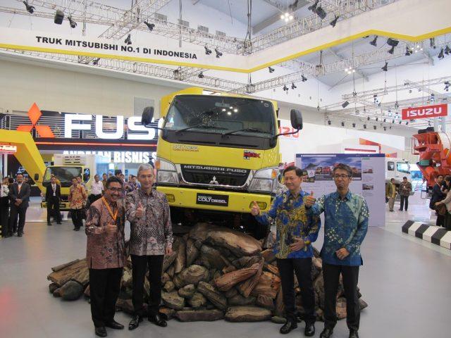 Mitsubishi Fuso Hadirkan 'Si Jago Nanjak' di GIIAS 2016