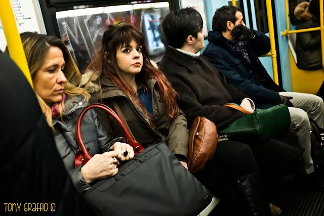 Chi sogna ad occhi aperti sulla metropolitana