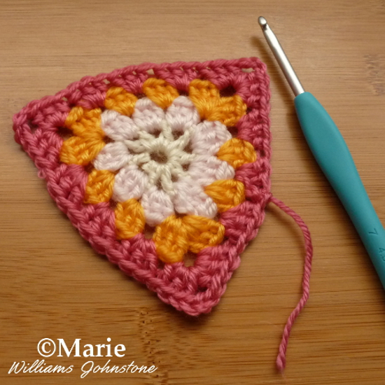 Triangle crochet granny square style double stitches different colors free pattern instructions