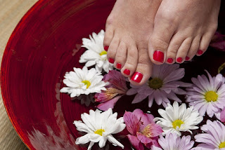 20 Tips How To Eliminate Smelly Feet Naturally and Fast
