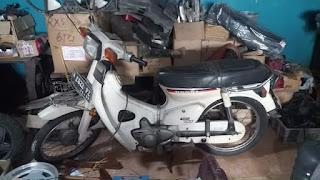 Dijual Motor Lawas Honda C700 tahun 81