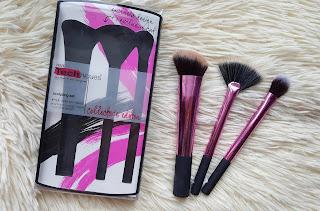 https://www.rosegal.com/makeup-brushes-amp-tools/stylish-3-pcs-aluminum-tube-361931.html?lkid=205394