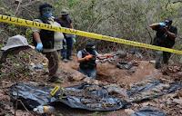 Localizan 86 bolsas con restos humanos en México.