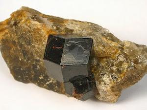 Piedras Preciosas: Almandina