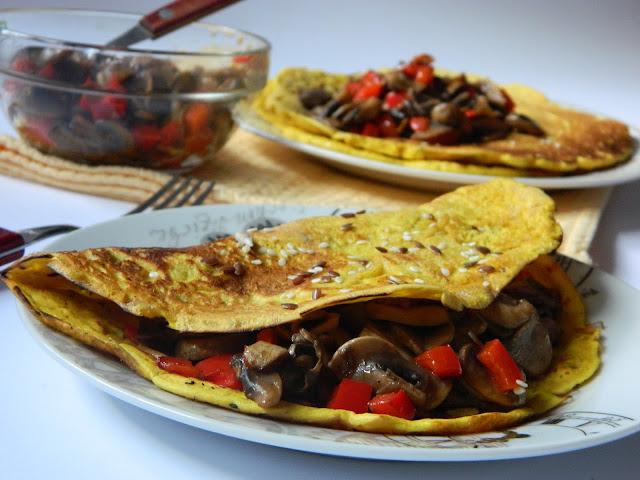 Clatite din faina de naut cu ciuperci si ardei gras