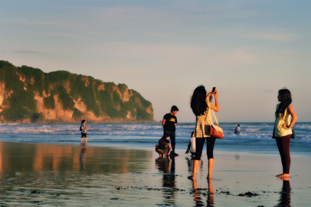 Parangtritis - The Colour Of Indonesia - Pantai Kukup