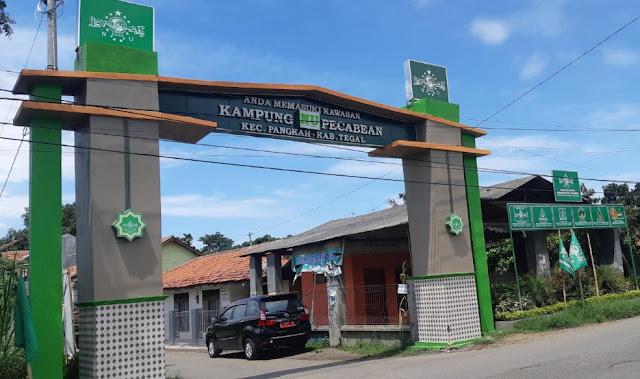 Bangga Jadi Nahdliyin, Kampung NU di Tegal Ini Bangun Gapura NU