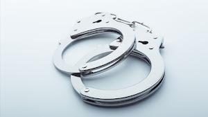 外国人「友達のせいで日本の警察に逮捕された...」(海外の反応)