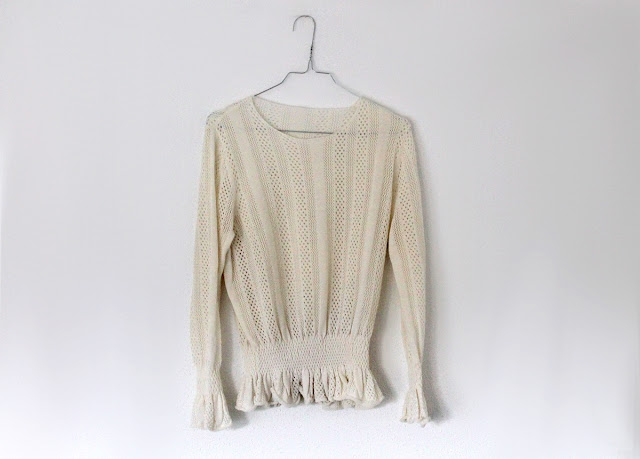 metisu cream sweater