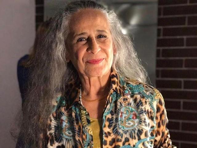 """Maria Bethânia gravou """"É o Amor"""" em 1999 e rebateu o termo """"sucesso popularesco"""""""