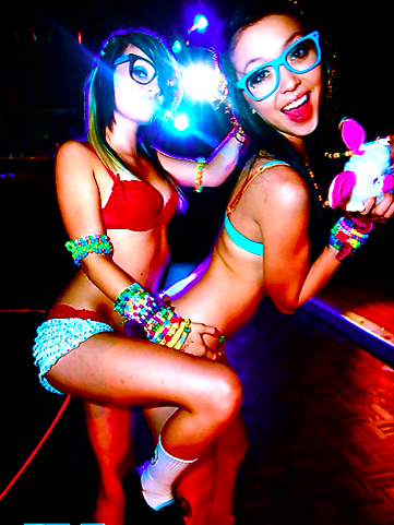 Hot Rave Girls