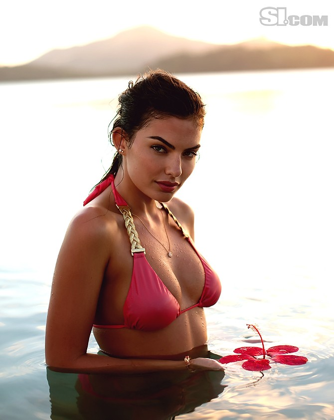 Alyssa Miller (Sports Illustrated Swimsuit 2011) - Models ...