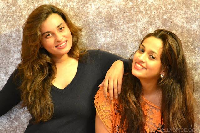 Shweta Pandit with sister