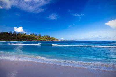 Strand der Anse Cocos auf La Digue