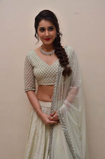 raashi khanna at avakusa trailer launch 3