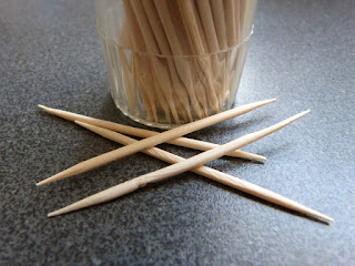 pixabay.com/en/macro-close-toothpick-container