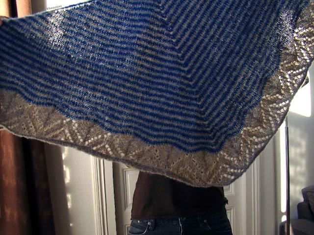 zoom châle Dream stripes en tricot