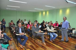 Jornada Científica de Medicina Veterinária do UNIFESO: palestra abordou questões como ética profissional, tendências do mercado de trabalho e suas áreas emergentes, e ainda as funções dos conselhos Federal e Regional
