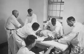 Metode Pengobatan Metrazol Treatment yaitu membuat pasien kejang kejang