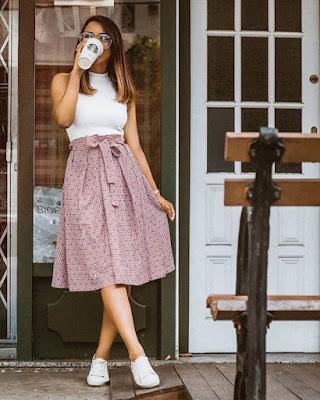 outfit casual de moda con falda