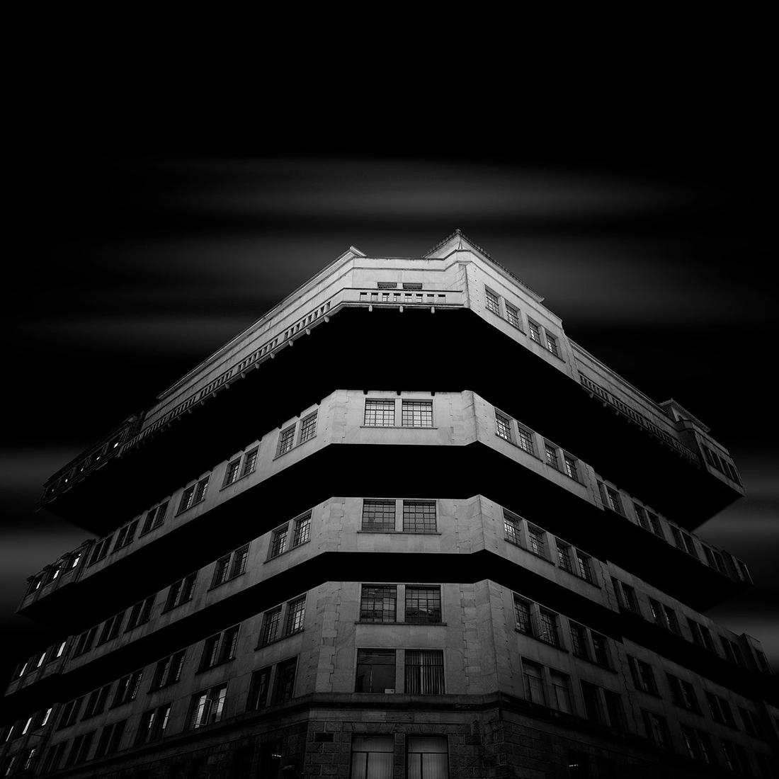 05-Daniel-Garay-Arango-Black-and-White-Surreal-Photographs-Architectural-Deconstruction-www-designstack-co