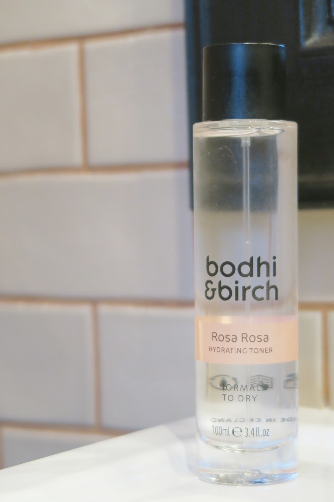 Natural organic skincare for oily blemish prone skin   Amber's Beauty Talk   Bodhi and Birch Rosa Rosa Toner